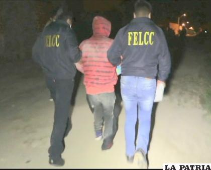 Luego de varias horas de negociación, el individuo fue rescatado por la Policía  /LA PATRIA
