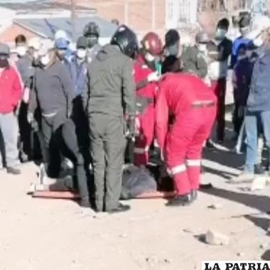 Personal de Bomberos evacuó al motociclista hasta un nosocomio /LA PATRIA