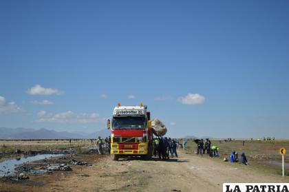 Los camiones se llenaron de los plásticos recogidos