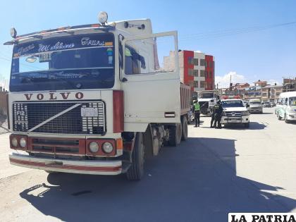 En el otro accidente, el camión colisionó por alcance contra un automóvil /LA PATRIA