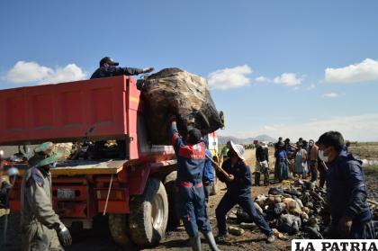 Toneladas de basura se recogieron en el primer día de campaña de limpieza /LA PATRIA