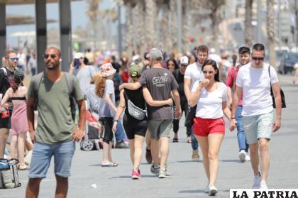 Desde este domingo, la gente en Israel ya puede caminar sin barbijo /RR.SS.