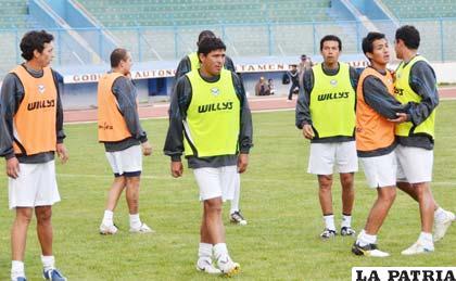 """Jugadores de San José, en el entrenamiento de ayer en el """"Bermúdez"""""""
