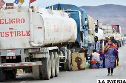 Se levantó el bloqueo en Puno pero sigue en Desaguadero
