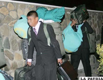 Dos de los 54 cadetes que fueron expulsados de la Unapol (Foto