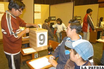 Los hinchas de San José se alistan para participar en las elecciones