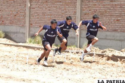 Jugadores juveniles de San José