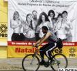 Natalia Juárez candidata del PRD posó semidesnuda junto a otras mujeres como parte de su campaña política /elsiglodetorreon.com.mx