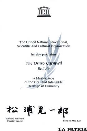 Réplica de la declaratoria de la Obra Maestra como es el Carnaval de Oruro