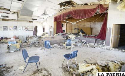 Destrozos causados por el tornado en la ciudad de Moor