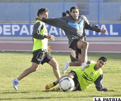 Sánchez jugará en el equipo titular