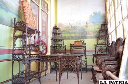 Muebles de la india y china adornan solario de los pati o - Muebles de la india ...