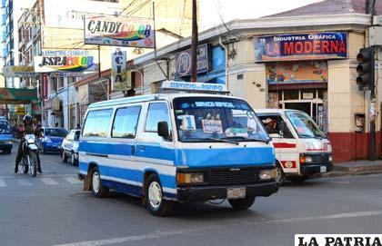 Durante la jornada de paro anunciado para mañana, los trasportistas resguardarán sus motorizados