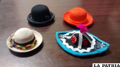 Colección de sombreros en miniatura