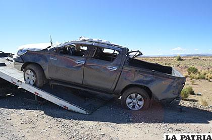 Camioneta quedó maltrecha después del accidente