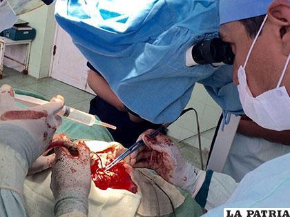 Operación de tumor cerebral a cargo del galeno Igor Gonzalo Toco Olivares /IGOR TOCO