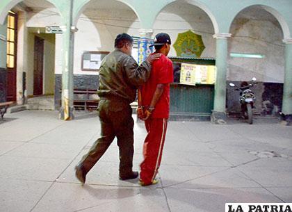 El sujeto en dependencias policiales