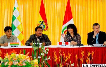 Autoridades que asistieron a la V Comisión mixta Binacional /ANF