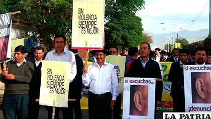 Hombres de Sacaba piden erradicar la violencia en las familias /Iván Camacho