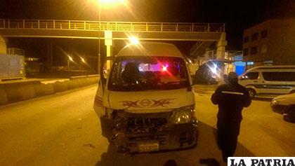 El minibús protagonista del incidente vial