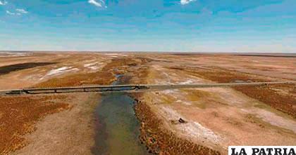 Comunarios preocupados por falta de caudal en el Desaguadero /Cancillería boliviana