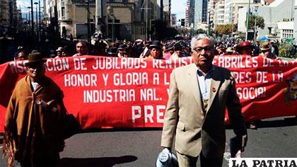 Jubilados marcharon este 1 de Mayo pero aseguran que no tienen nada que festejar /ERBOL