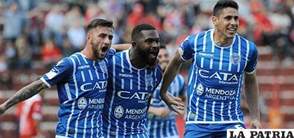 Godoy Cruz venció de visita a Argentinos Juniors 2-1 y mantiene la chance /ole.com