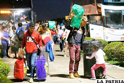 Venezolanos salen de su país en busca de un futuro mejor /diariolasamericas.com