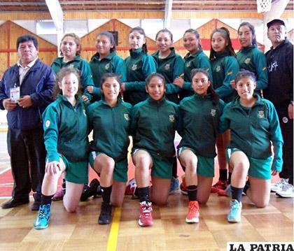 Las muchachas del básquet no pudieron lograr su objetivo /Javier Oscar Velásquez