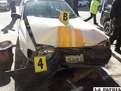Los daños en ambos coches son considerables