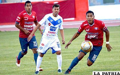 La acción del partido de ida donde Wilstermann venció en Oruro 4-2 el domingo 20 de mayo
