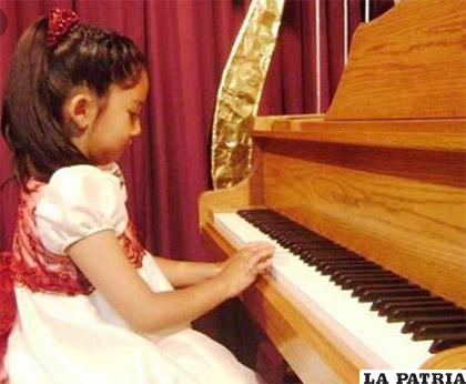 Varinia sigue los pasos de su madre /VANNIA MIRANDA