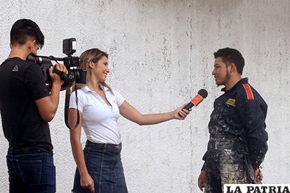 Carlos Ponce entrevistado en Santa Cruz /EL CANTO DE LA SELVA MURALISMO Y ARTE P�?BLICO