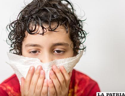 Resfriados y tos es lo que más se presentan en los establecimientos de salud /lanoticia.com