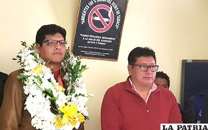Nuevo director Javier Fulguera junto al exdirector Jesús Ignacio /LA PATRIA