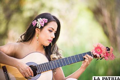 Mariana Gómez llegó a Oruro /Facebook