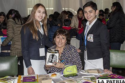 Rosalba Guzmán en la Encuentro Autor-Lector /LA PATRIA/Alejandro Valdez