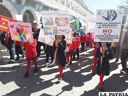 Estudiantes piden respeto y cero discriminación /LA PATRIA