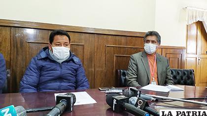 Las autoridades mostraron preocupación por el retraso del laboratorio PCR para Oruro /LA PATRIA