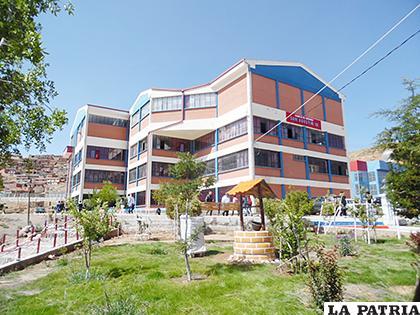 Facultad de Medicina cumple 18 años de vida institucional /UTO