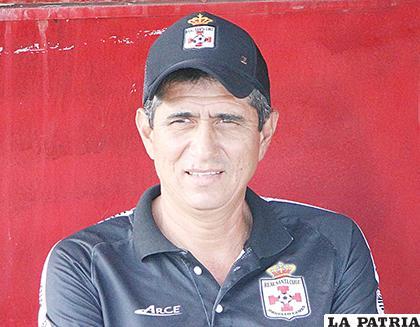 José Peña dirige a Real Santa Cruz /APG