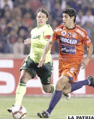 Tobías Albarracín, jugó la Copa Libertadores con la casaca de Universitario