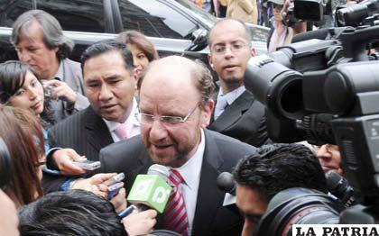 Según canciller chileno, Alfredo Moreno, Bolivia debe dar explicaciones sobre militares detenidos en Chile
