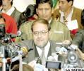 Ministro de Educación, Roberto Aguilar Gómez