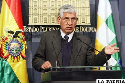 El ministro Virreira hace llamados y propuestas a los mineros para desactivar dos conflictos (Foto APG)