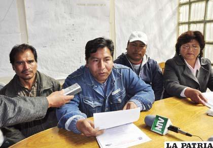 Dirigentes del Distrito 4 oficializan voto resolutivo contra concejales