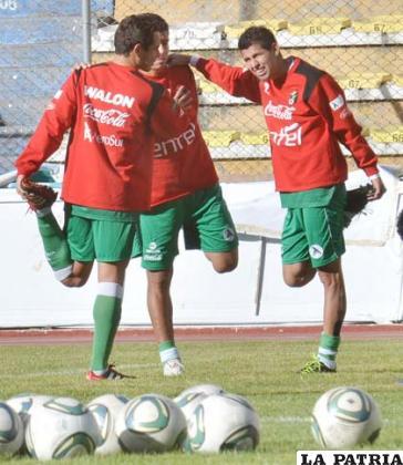 Juan Carlos Arce junto a Carlos Saucedo (foto: APG)