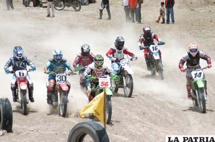Vuelve la emoción del motociclismo deportivo
