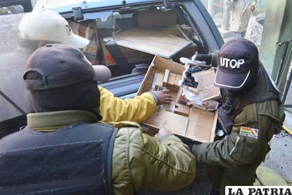 Amotinados sacan municiones y armamento de la UTOP (Foto APG)