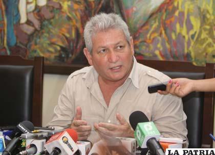Fiscalía notificará a Rubén Costas por los delitos de resoluciones contrarias a la constitución /radiofides.com